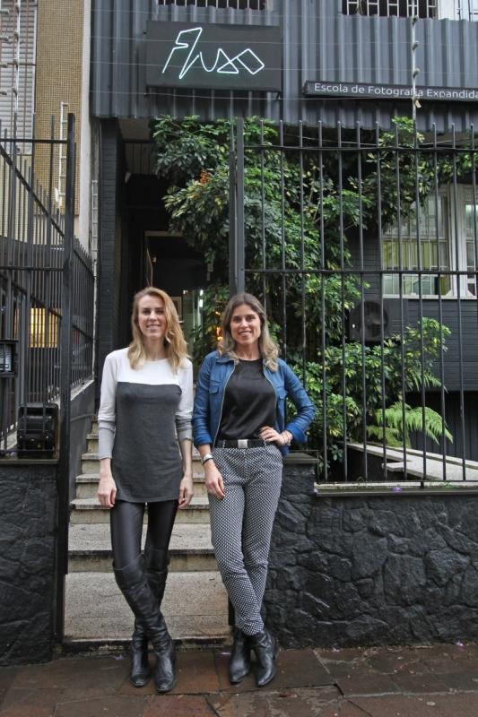 Escola Fluxo de fotografia Na foto: Evelyn Hunsche Ruhl e Vivian Hunsche Ruhl