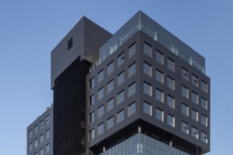 Prédio está localizado na avenida Carlos Gomes
