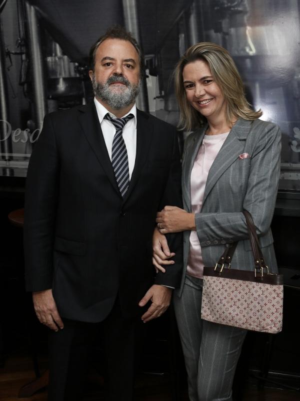 César Martins Costa e Vivian Martins Costa em tarde festiva no Dado Bier