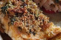 Em crosta de manjericão
