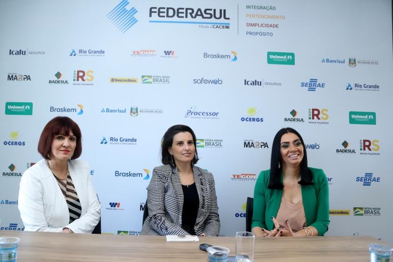 pg3 Helen Machado (Carris) Liana Brazanela (ARP) Maria de Lourdes Anselmi (Malharia Anselmi) - Rosi Boninsegna