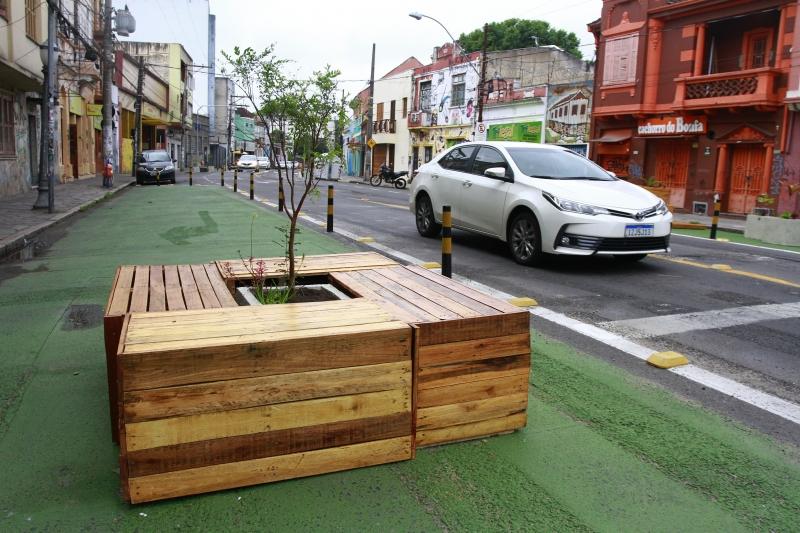 Rua João Alfredo está de cara nova e já totalmente afinada com o projeto de Rua Completa