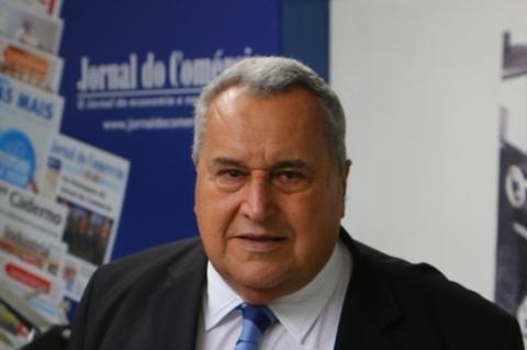 Fernando Carrion