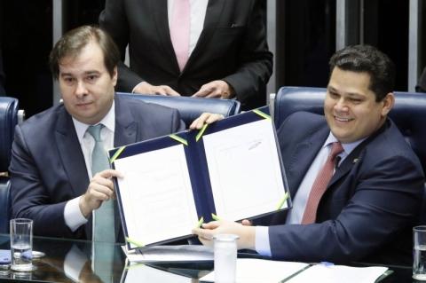 Gilmar e Toffoli votam para permitir reeleição de Maia e Alcolumbre no Congresso