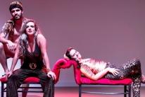 Patsy Cecato apresenta 'Não se mata pintassilgo - A peça' na Santa Casa