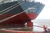 Óleo de navio grego vaza no litoral do Rio Grande do Sul