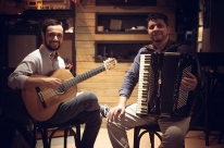 Matheus Alves e Guilherme Goulart se apresentam no Musical Évora