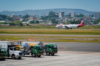 Aéreas marcam primeiros voos para buscar brasileiros presos no Peru