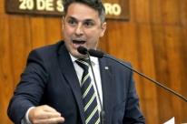 Deputados aprovam monitores cívico-militares em escolas