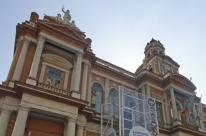 Porto Alegre corta gastos e volta ao azul após 10 anos