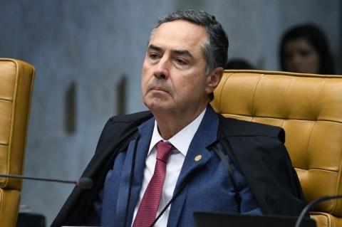 Barroso paralisa processos de ficha limpa até definição do Supremo