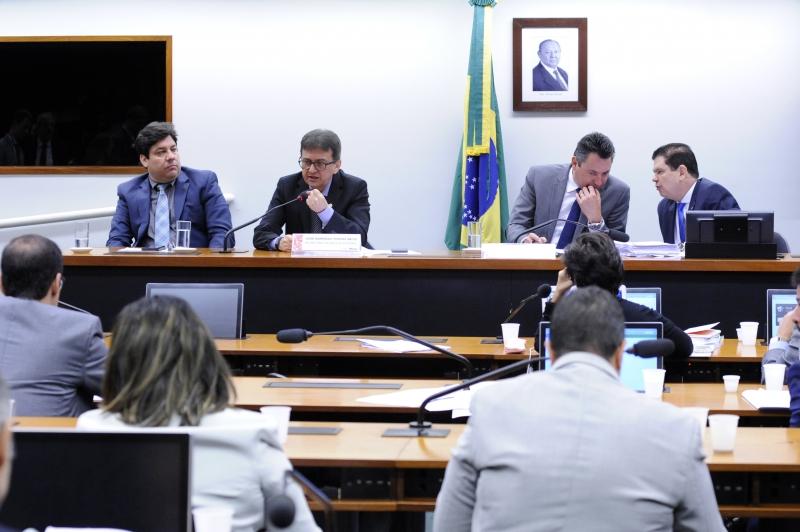 José Barroso Tostes Neto (2º à esquerda) participou de uma audiência na Câmara dos Deputados