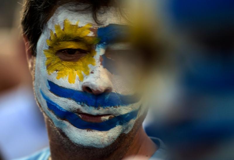 Uruguaios vão às urnas domingo para escolher próximo presidente