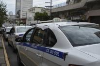 Nova lei flexibiliza normas para motoristas de táxi no município