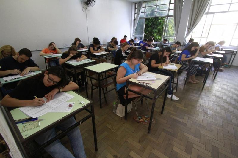 Governo quer abrir consulta para que os inscritos no exame se manifestem sobre nova data