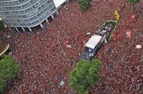 Torcida do Flamengo toma conta do Rio em celebração ao título da Libertadores