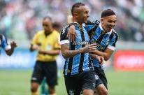 Grêmio garante Libertadores e dá título ao Flamengo