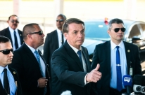 Bolsonaro diz que irá à posse de Lacalle Pou no Uruguai se confirmada a vitória
