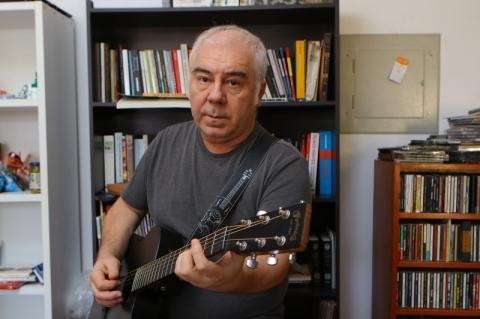 Nei Lisboa faz show em comemoração aos 40 anos de carreira