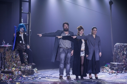 Teatro Glênio Peres recebem montagem inédita do dramaturgo Roland Schimmelpfennig
