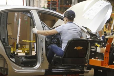 Confiança da indústria sobe 12,5 pontos em julho ante junho, diz prévia da FGV