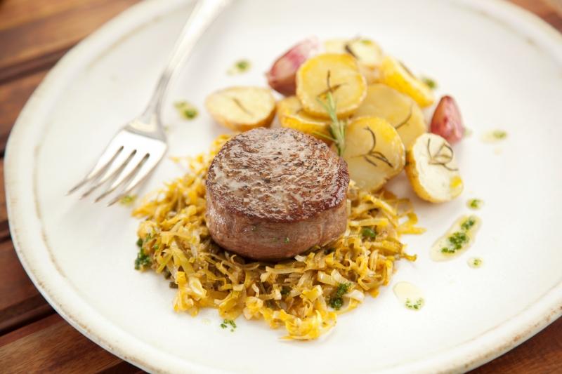 PAN - viver - gastronomia Filé com alho poró - foto de AZEITE CARDEAL