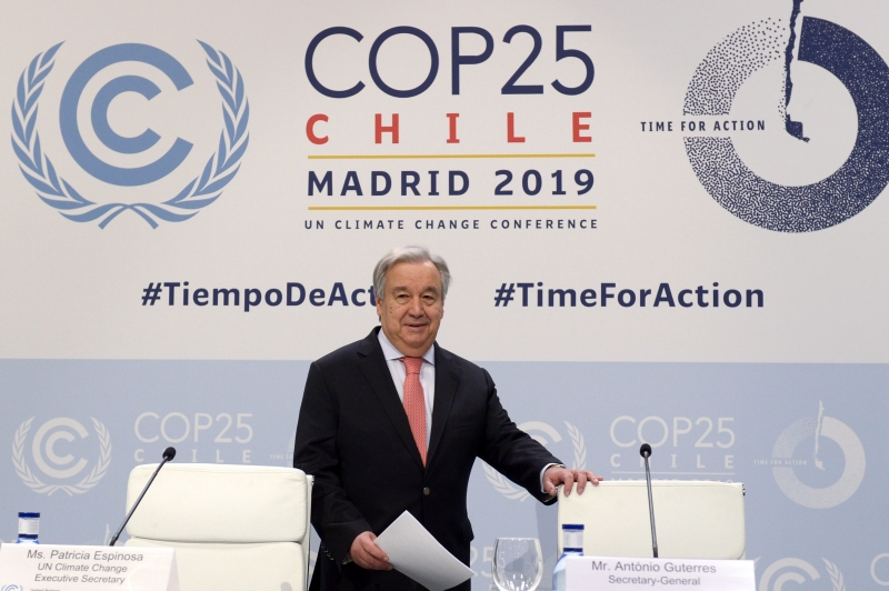 INT - Antonio Guterres, secretário-geral da ONU, na conferência da ONU sobre o clima - CRISTINA QUICLER - AFP United Nations Secretary-General Antonio Guterres arrives to give a press conference, at the 'IFEMA - Feria de Madrid' exhibition centre, in Madrid, on December 1, 2019, on the eve of the opening of the UN Climate Change Conference COP25. - Spain's Socialist government offered to host this year's UN climate conference, known as COP25, from December 2 to December 13, 2019, after the event's original host Chile withdrew last month due to deadly riots over economic inequality. Spanish authorities expect some 25,000 participants and 1,500 journalists from around the world to attend the two-week gathering in Madrid. (Photo by CRISTINA QUICLER / AFP)