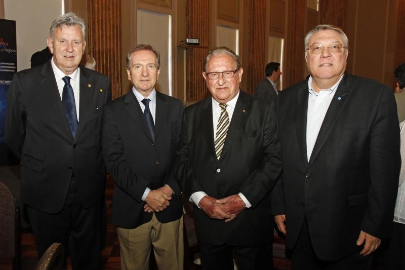 Luis Carlos Heinze, Mércio Tumelero, Zildo De Marchi e Aquiles Dal Molin Jr. no evento