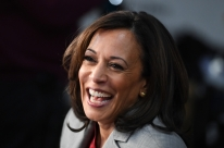 Única negra na disputa democrata, Kamala Harris desiste de tentar Presidência dos EUA