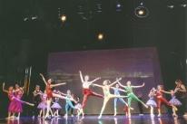 Studio Maria Cristina Futuro apresenta o espetáculo 'Dançar é viver'