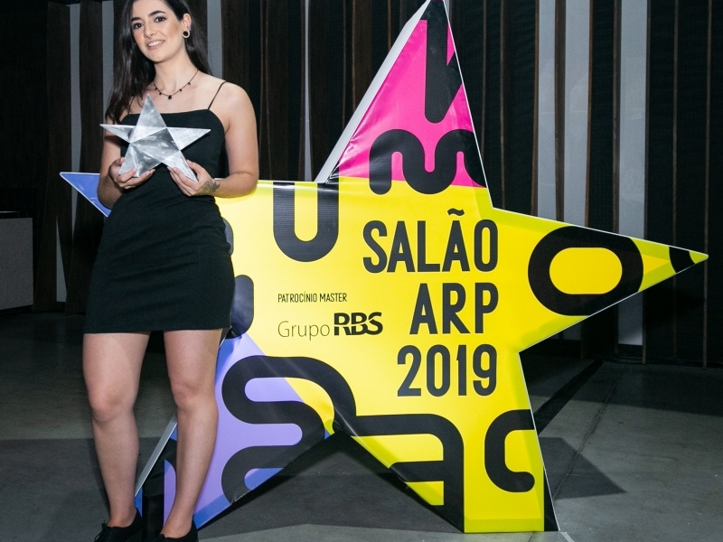 Juliana dos Santos, da Uniritter, é a Estudante do Ano