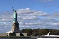 Nova Iorque confirma 112 novos casos de coronavírus e proíbe eventos