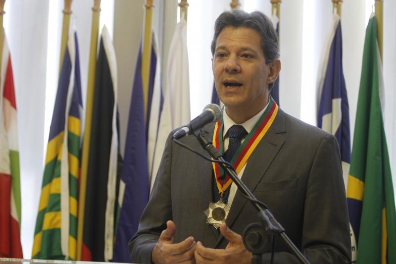 Ex-candidato do PT à presidência recebeu, em dezembro de 2019, medalha do mérito farroupilha