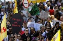 Professores se mobilizam contra votação de pacote do governo Leite