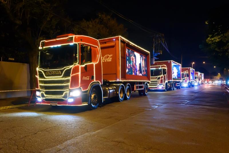 Caravana terá cinco caminhões cenografados e iluminados percorrendo as ruas da capital