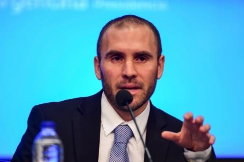 Argentina apresenta pacote que busca equilibrar gasto social e quadro fiscal