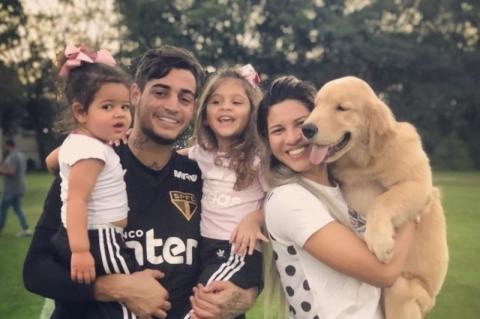 Filhas viram agressão do goleiro Jean à esposa, diz boletim de ocorrência dos EUA