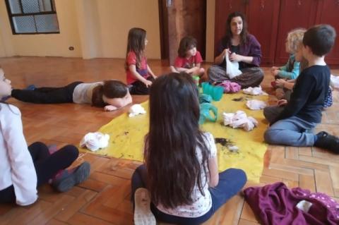 Espaço Cuidado que Mancha promove oficinas de verão para crianças