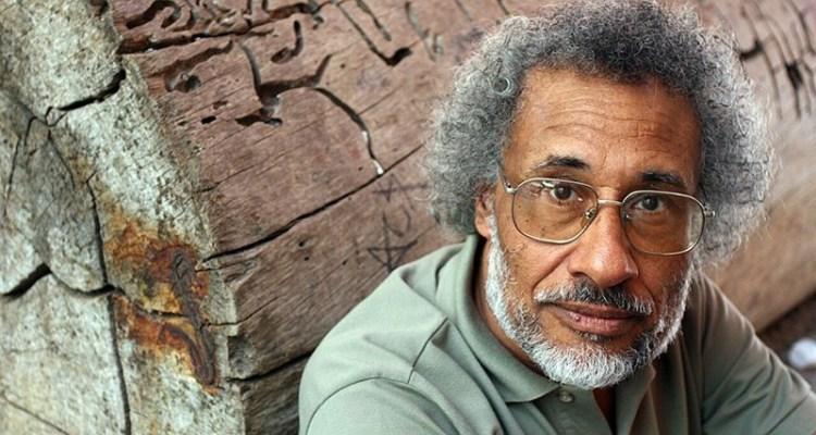 Um dos criadores do Dia da Consciência Negra, poeta é influência para novas gerações