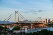 Florianópolis: Gean Loureiro (DEM) é reeleito prefeito com 53% dos votos