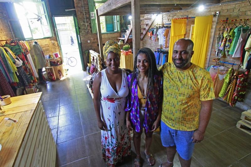 Kizzy ,Cláudia e Deivison são alguns dos fundadores da Casa de Joana