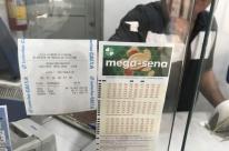 Mega-Sena acumula e deve pagar R$ 14 milhões na próxima quarta-feira