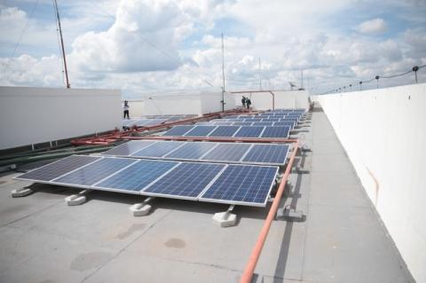 Fim da taxação da energia solar cria impasse