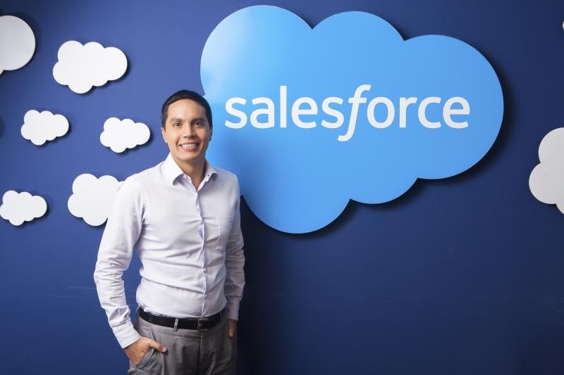 O diretor de Marketing da Salesforce, Daniel Hoe, destaca cenário de paradoxo da confiança