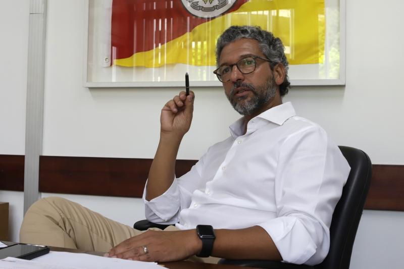 Projeto que reformula plano de carreira do magistério deve sofrer nova alteração, projeta Antunes