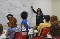 Tecna sedia oficinas de Vera Hamburger sobre direção de arte e cenografia