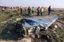 Avião ucraniano foi derrubado pelo Irã por acidente, avaliam agentes dos EUA; Teerã nega