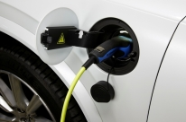 Projeto vai instalar eletropostos em cidades gaúchas