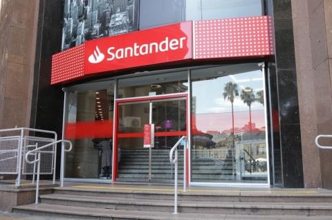 Santander eleva reserva de calote e lucro cai 41,2%