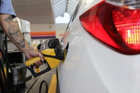 Petrobras reduz preços da gasolina em 12% e do diesel em 7,5%